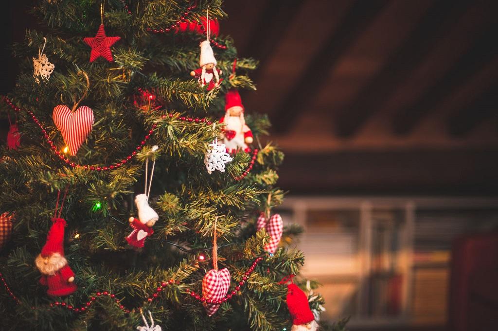christbaum schmcken will gelernt sein - Christbaum Schmucken Beispiele